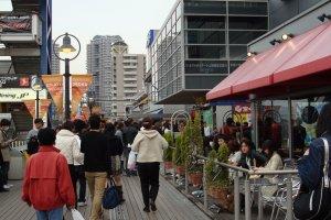 Calçadão do Decks Tokyo Beach