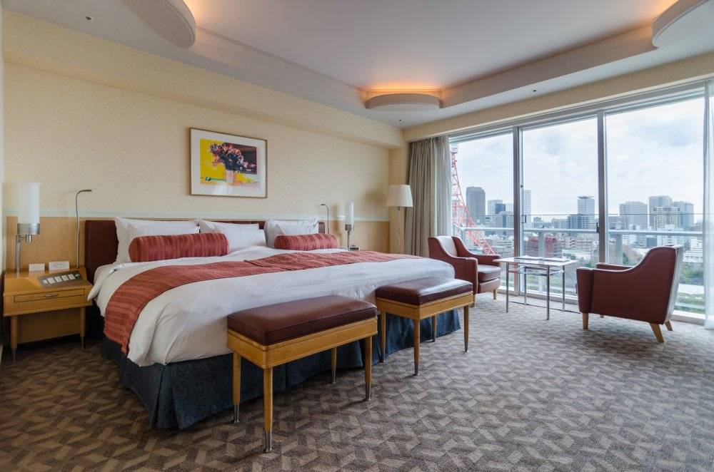 The Superior Comfort Room at The Prince Park Tower Tokyo lives up to its name! It is not only incredibly comfortable, allowing you to feel at home while on the road, but superior to other hotel rooms in several notable ways.