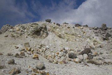 霧島の硫黄山