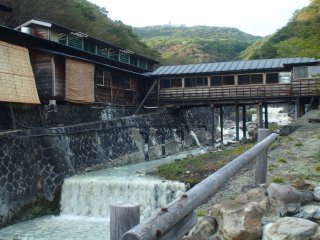 Shikanoyu is an example of the rustic, historical onsen that abound in the NasuYumoto region.