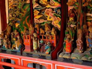 羅漢堂は中門を中心として、その左右に続く回廊である 国登録有形文化財に指定