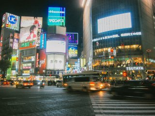 Fulfilled by giant billboards, Shibuya Crossing looks crowded at night