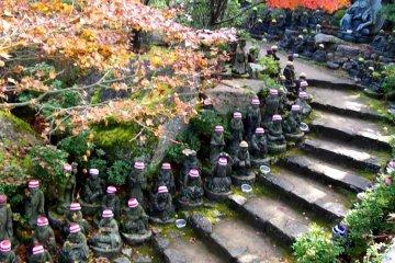 미야지마의 500개의 라캉 조각상