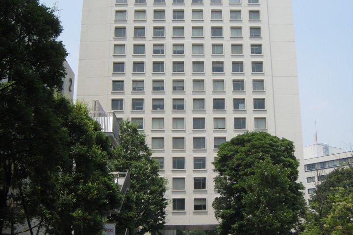 Софийский университет в Токио