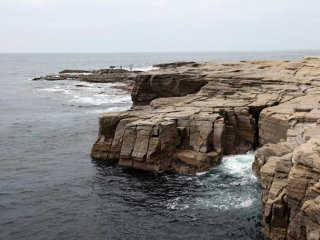 Walks along the Shimoda coast give you a great opportunity to see the rugged coast line up close