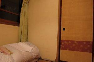 ห้องพักและที่นอนฟูกสไตล์ญี่ปุ่น