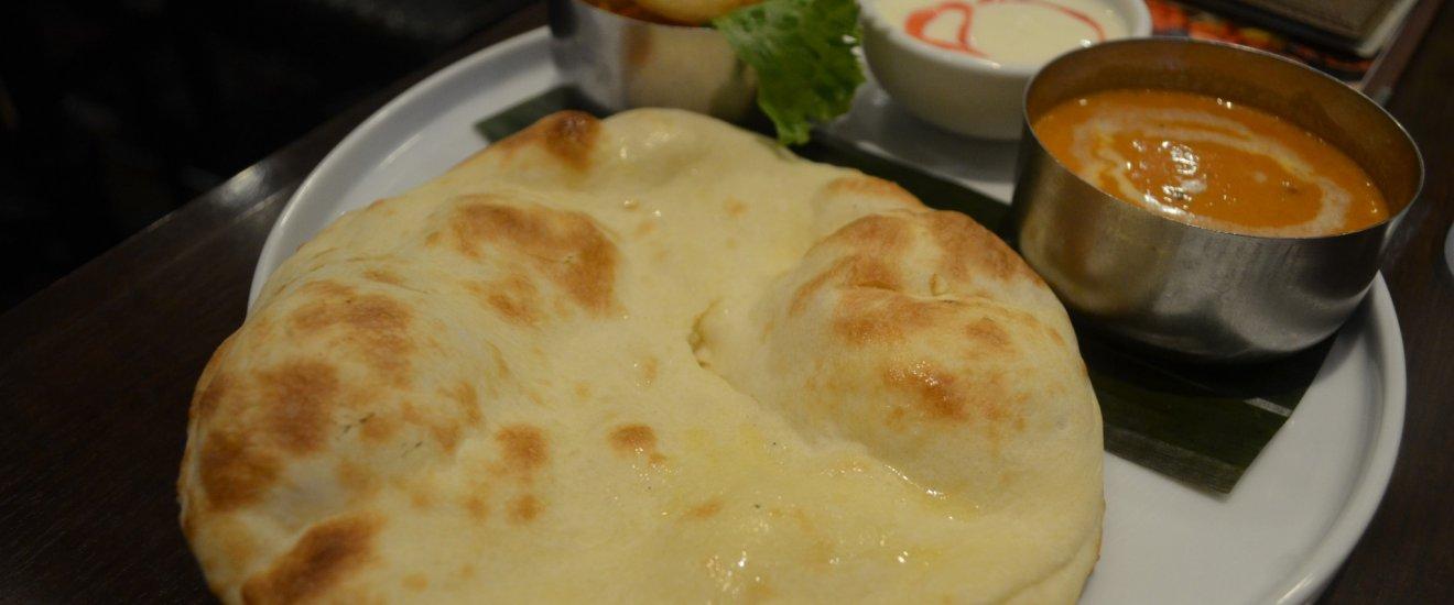 """ร้าน """"Cobara-Hetta"""" เป็นร้านอาหารอินเดียที่คัดสรรคุณภาพเครื่องเทศส่งตรงจากประเทศอินเดีย 16 ชนิด"""