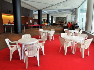 Guests who bring their own food, or purchase something 'take-out', can eat in this area in the hotel lobby.