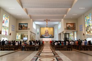 English mass held at 14:00