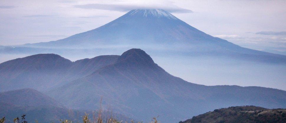 ภูเขาเมียวจิน-กะ-ทะเกะ แห่งคะนะกะวะ