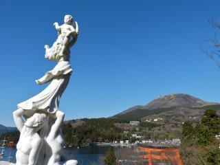 庭園から見た駒ヶ岳