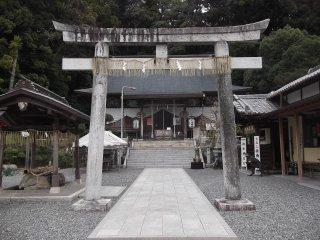 The gate to the shrine precinct