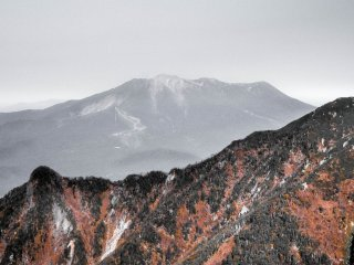 Unlike most other mountains in the area, Mount Ontake is a lone standing peak because of the fact that it is a volcano