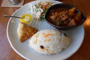 Vegi Cafe Shanti, Naha