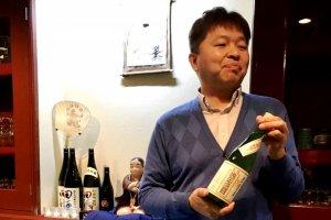 The bar owner, Kaoru Sasaki.