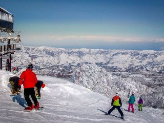 As soon as you reach the top you will most likely see many other skiers