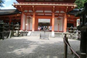 Ворота храма Касуга