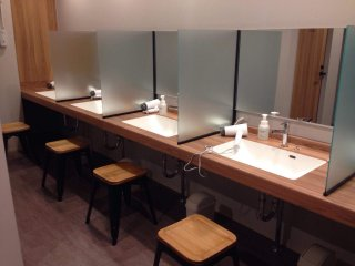 Fully-equipped shared bathrooms