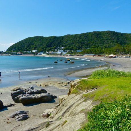 Hayama Isshiki Beach in June