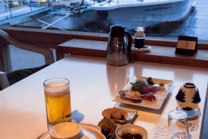 The dining experience is amazing and you get to admire the boats as you eat