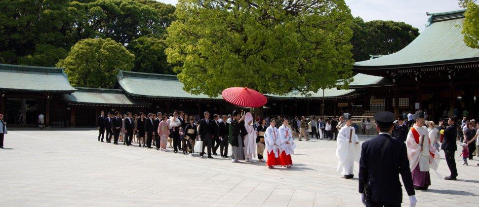 伝統的日本の神前挙式