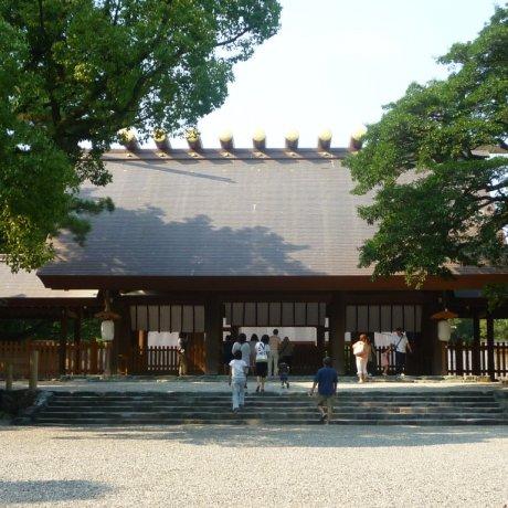 Atsuta Shrine and the Legendary Sword