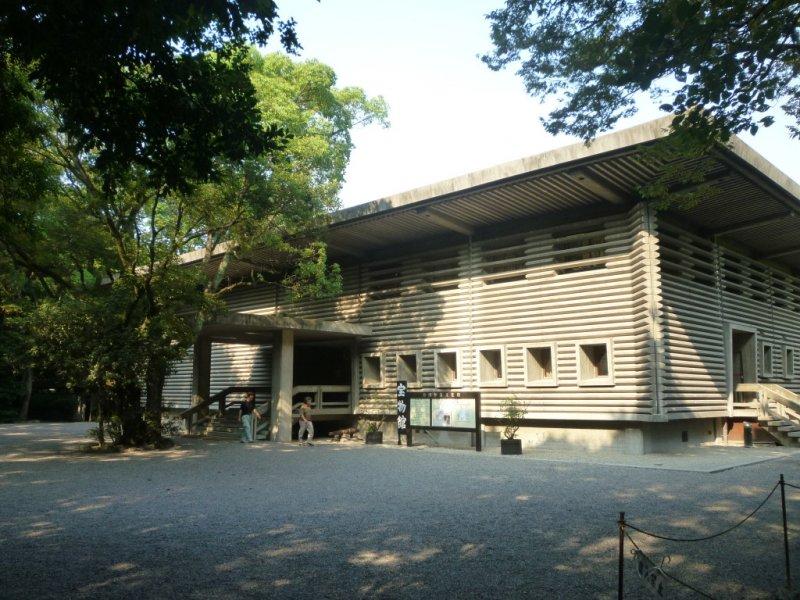 Atsuta Shrine - Aichi - Japan Travel - Tourism Guide ...