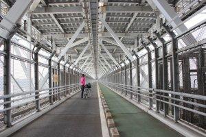 ใต้สะพานที่ยาวสุดลูกหูลูกตา