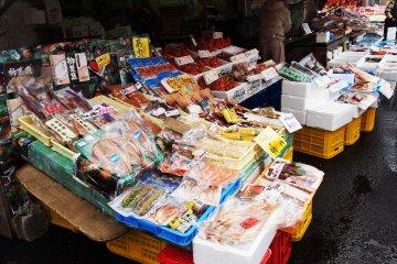 <p>ภาพแรกกับตลาดปลาสด</p>