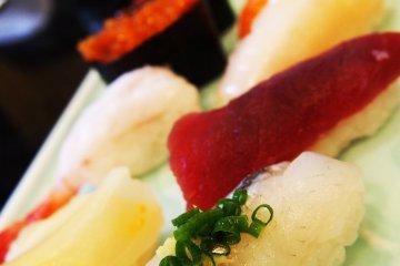 <p>ซูชิเลิศรส ร้านดัง Hakodate</p>