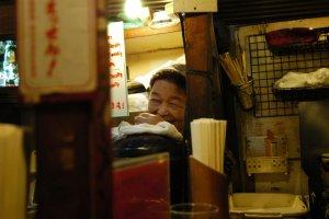 รอยยิ้มของคุณป้าเจ้าของร้าน