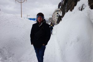 สภาพถนนหลังรอดชีวิตจากหิมะถล่ม