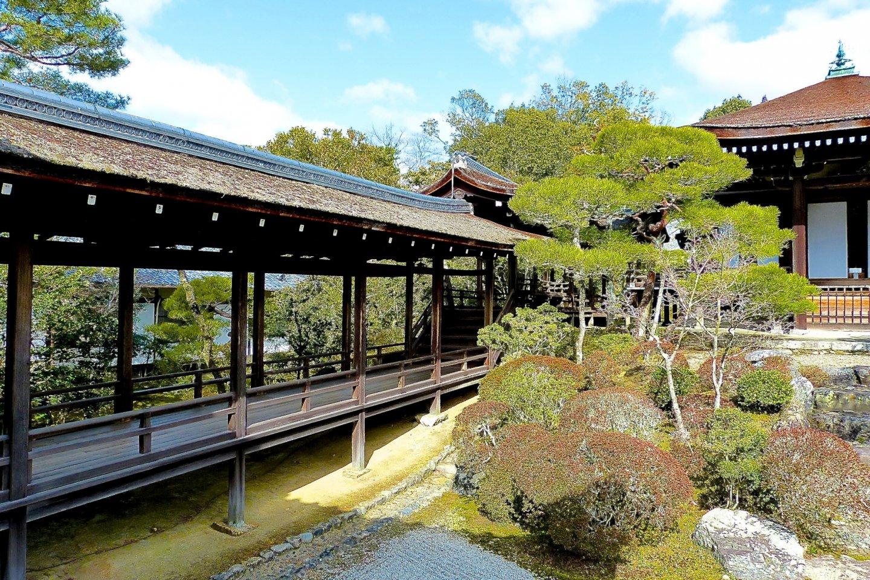 Beautiful outside corridors of Omuro Palace