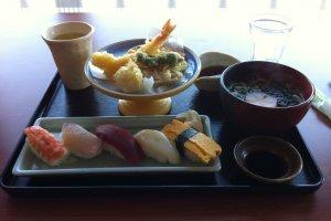 Sushi, udon, dan tempura