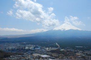 ภูเขาไฟฟูจิ จากจุดชมวิวบนยอดเขา Mt.Tenjo