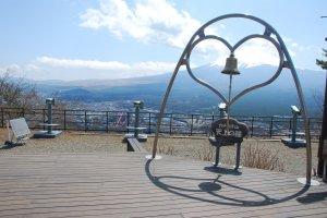 The Bell of Tenjo บนยอดเขา Mt.Tenjo