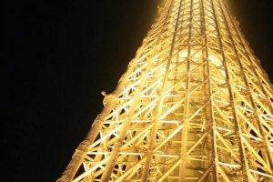 แสงไฟยามค่ำคืนของโตเกียวสกายทรี