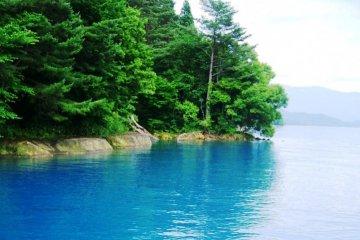 <p>The beautiful azure waters in Lake Tazawa have lured Dragons and Princesses alike.</p>