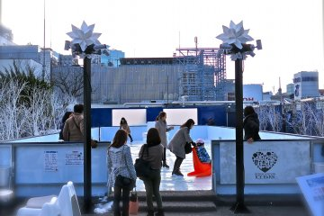 <p>Sora x Niwa&nbsp;x Ice Park offers rooftop skating at Matsuya&nbsp;Department Store in Ginza. The first in Japan &amp; fun for all ages!</p>