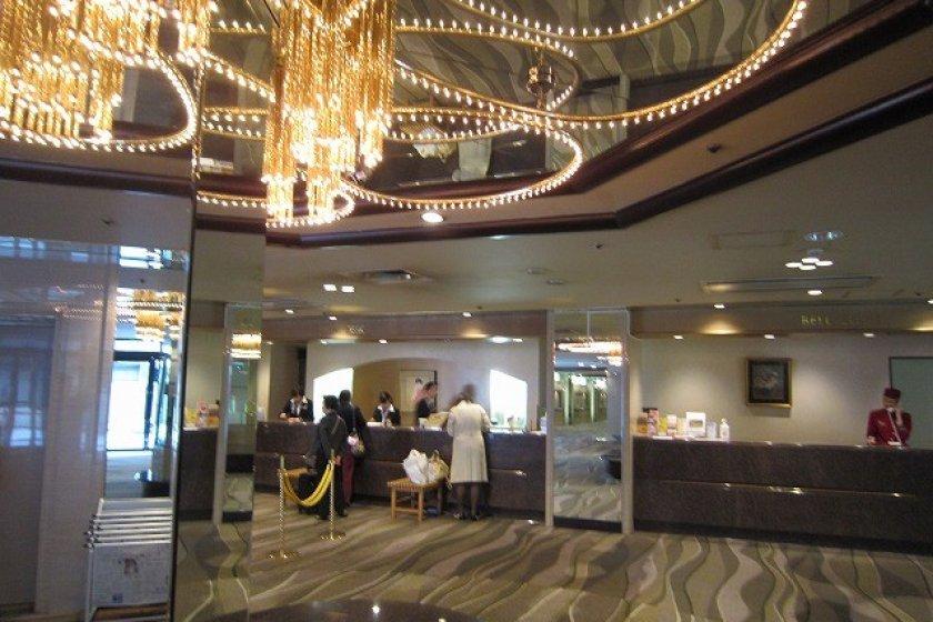 ホテルフロント・ロビー