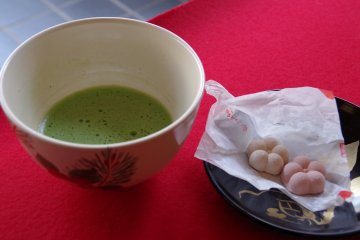 <p>Green tea served at the teahouse</p>