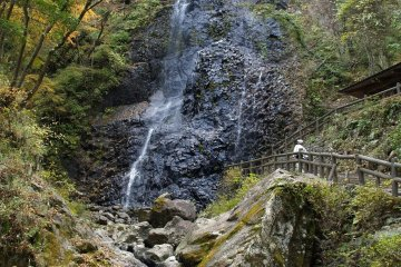 Shirai Falls in autumn