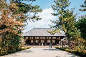 วิหารหลักของวัดโตโชไดจิ สถาปัตยกรรมแบบราชวงศ์ถัง ปลายคริสตศตวรรษที่ 8 หลังคาเป็นของจีนแท้ สมัยนาระ