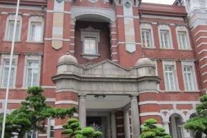 สถานีโตเกียวกับเอกลักษณ์ อิฐสีแดง