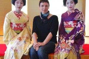 Photo with a geisha? - No problem in Niigata's Furumachi District!
