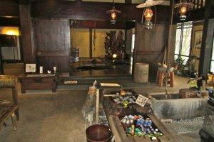 The lobby of the Yarimikan.