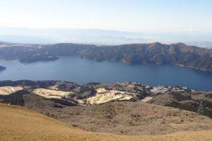 Lake Ashinoko.