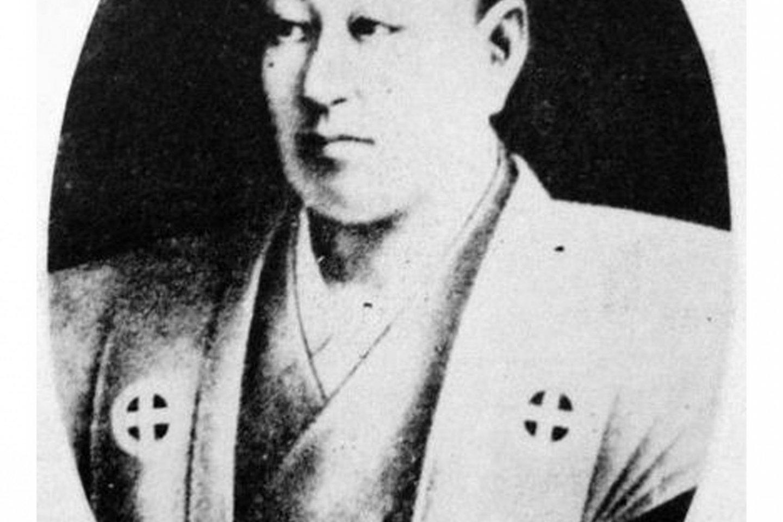 """ชิมัสสึ นาริอะกิระ (28 สิงหาคม คศ. 1809 - 24 สิงหาคม คศ. 1858) เป็นไดเมียวผู้ปกครองแคว้นซัตสึมะระหว่าง คศ. 1851-1858 เป็นที่รู้จักในฐานะไดเมียวผู้ฉลาดปราดเปรื่อง และมีความสนใจอย่างยิ่งในวิทยาการและเทคโนโลยีของชาวตะวันตก หลังเสียชีวิตท่านได้รับการสถาปนาเป็นเทพในศาสนาชินโตชื่อ """"เทะรุคุนิ ไดเมียวจิน"""""""