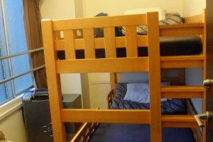 Private Room ที่ Khaosan Samurai แบบที่ 1 เวอร์ชั่นเตียงสองชั้น