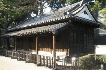 O-bansho Guardhouse inside the Ote-mon